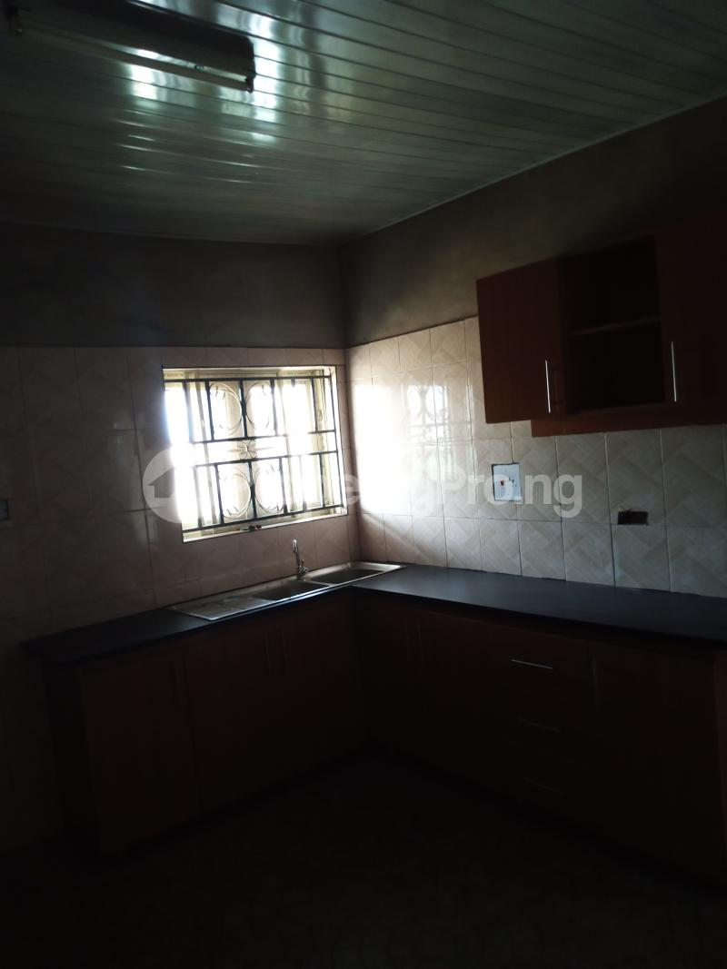 3 bedroom Blocks of Flats House for rent Promised land Elebu area. Akala Express Ibadan Oyo - 9