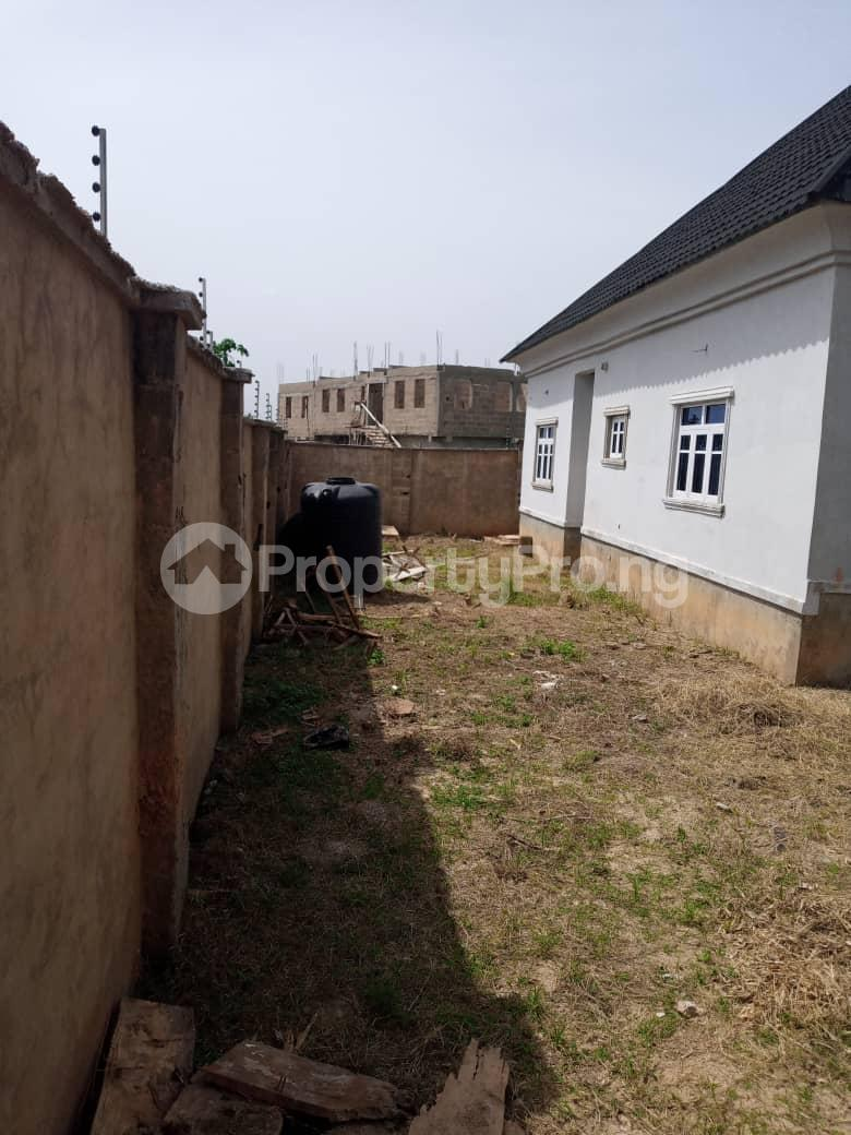 4 bedroom Detached Bungalow for sale Kuola Akala Express Ibadan Oyo - 0