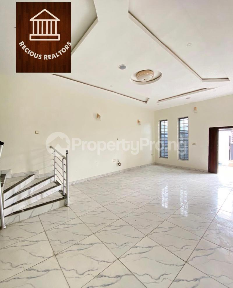 4 bedroom Semi Detached Duplex House for sale Title - governors consent Ologolo Lekki Lagos - 0