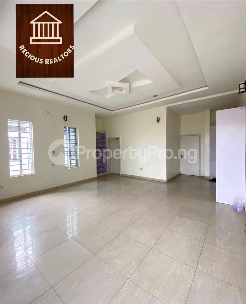 4 bedroom Semi Detached Duplex House for sale Title - governors consent Ologolo Lekki Lagos - 4