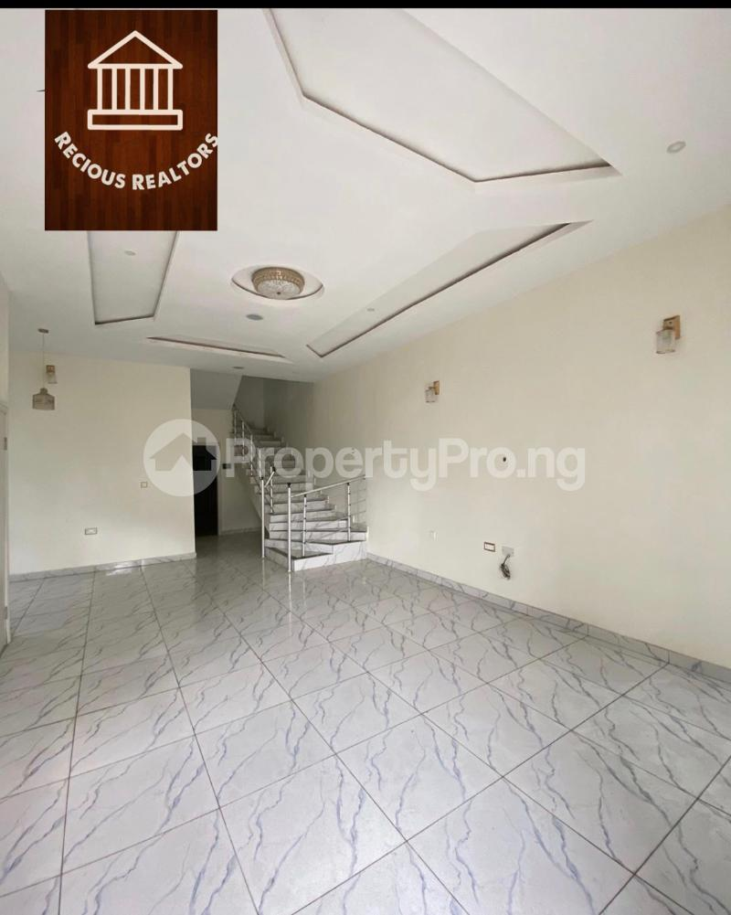4 bedroom Semi Detached Duplex House for sale Title - governors consent Ologolo Lekki Lagos - 3