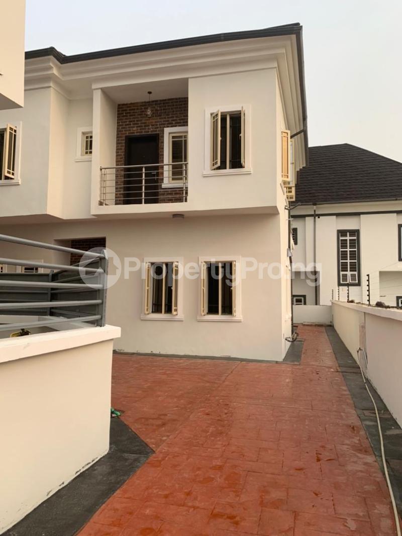 4 bedroom House for sale White Oak Estate Ologolo Lekki Lagos - 0