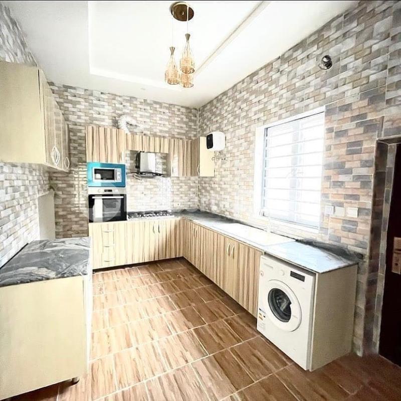 4 bedroom Terraced Duplex for sale Chevron Toll Gate chevron Lekki Lagos - 2