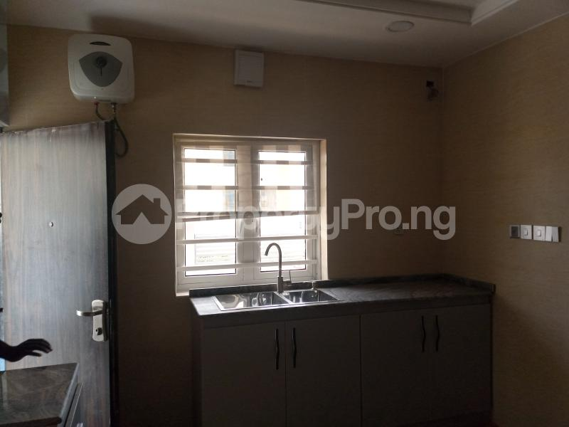5 bedroom Terraced Duplex House for sale Located after nnpc filing station Guzape Abuja - 6
