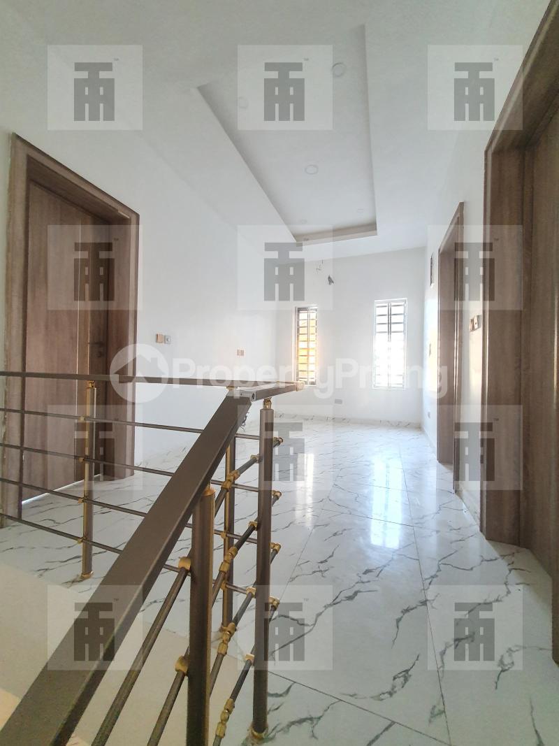 4 bedroom Terraced Duplex for rent Alternative Drive chevron Lekki Lagos - 4