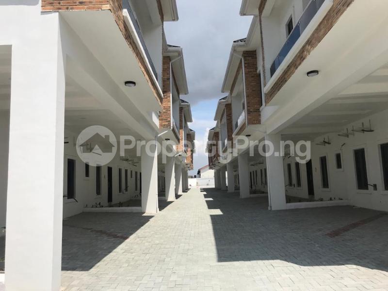 4 bedroom Terraced Duplex House for sale Lafiaji, Orchid Road Lekki Lagos - 3