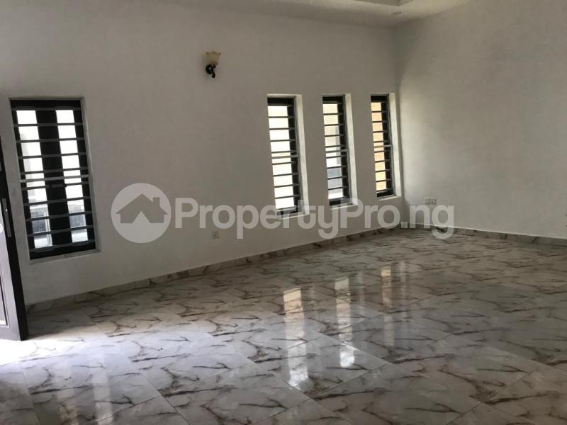 4 bedroom Terraced Duplex House for sale Lafiaji, Orchid Road Lekki Lagos - 11