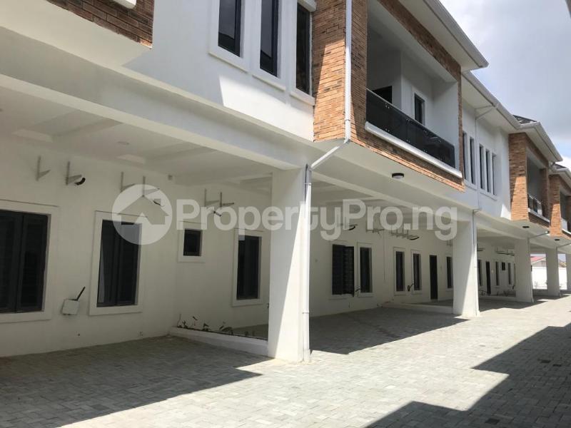4 bedroom Terraced Duplex House for sale Lafiaji, Orchid Road Lekki Lagos - 4