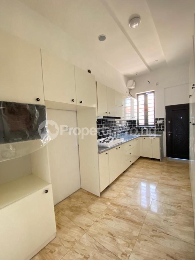 4 bedroom House for sale 2nd Toll Gate Lekki Lagos - 7