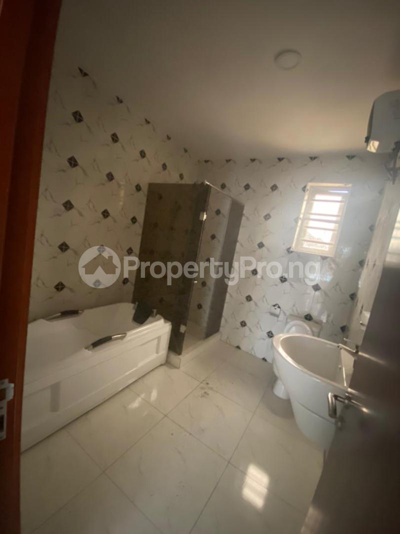 4 bedroom Terraced Duplex House for rent In an estate at ologolo  Ologolo Lekki Lagos - 4