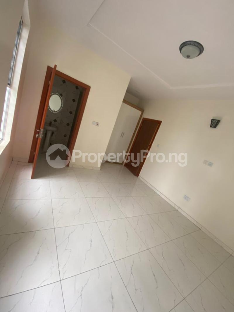 4 bedroom Terraced Duplex House for rent In an estate at ologolo  Ologolo Lekki Lagos - 10