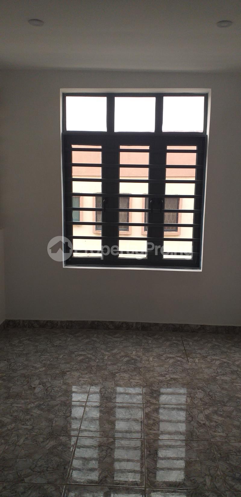 3 bedroom Flat / Apartment for rent 27, Eric Moore Street, Wemabod Estate Adeniyi Jones Ikeja. Ikeja Lagos - 6