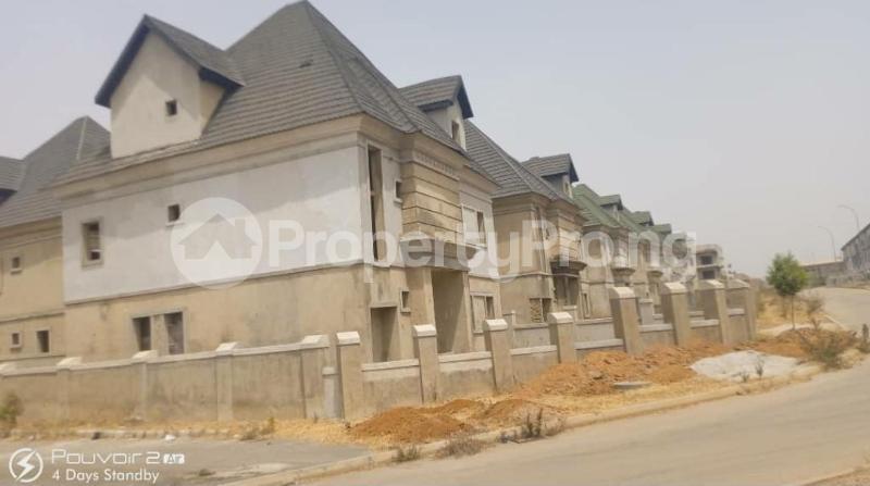 5 bedroom Detached Duplex House for sale Efab Court Nbora Abuja - 5