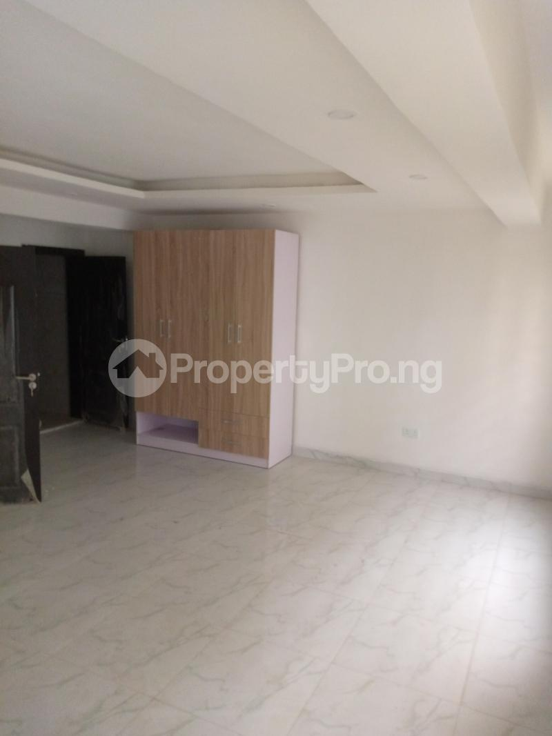 4 bedroom Terraced Duplex for rent Bethel Estate Alaka/Iponri Surulere Lagos - 4