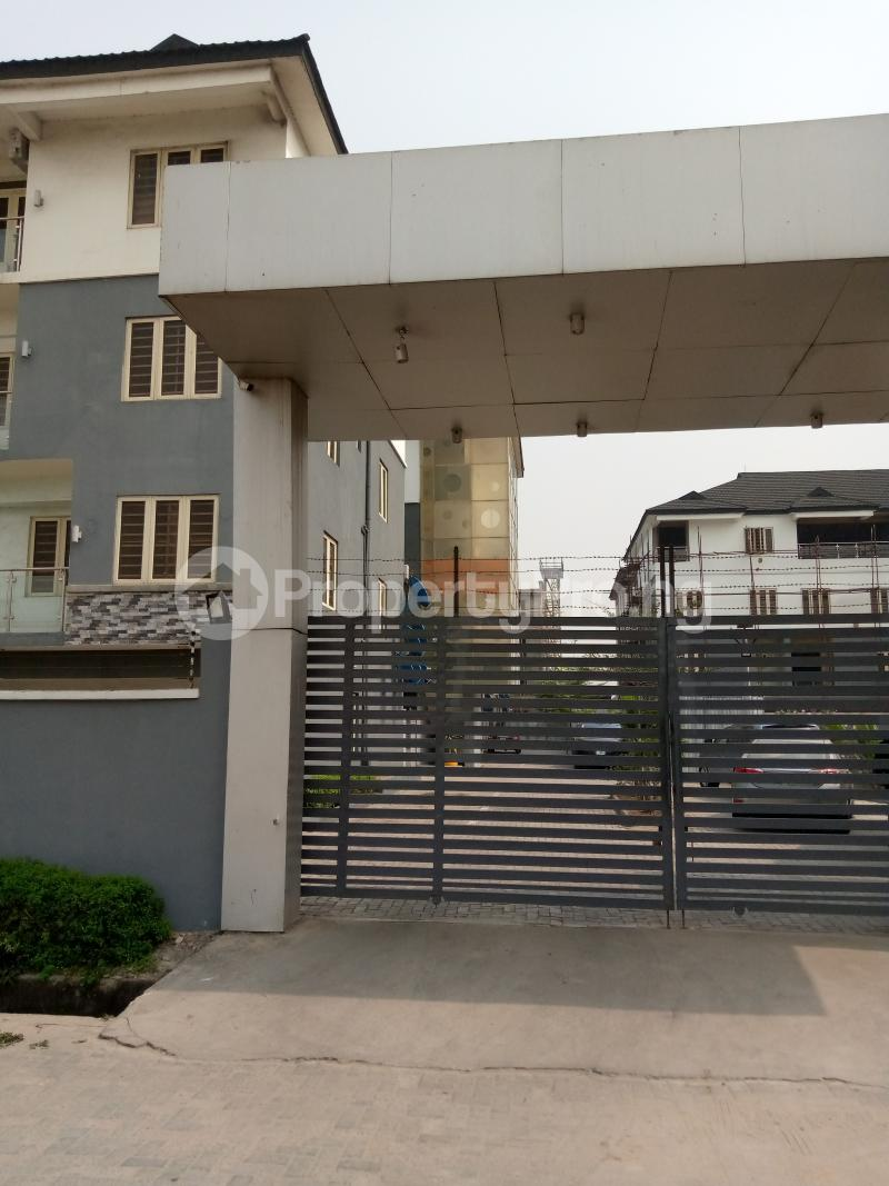 4 bedroom Terraced Duplex for rent Bethel Estate Alaka/Iponri Surulere Lagos - 9