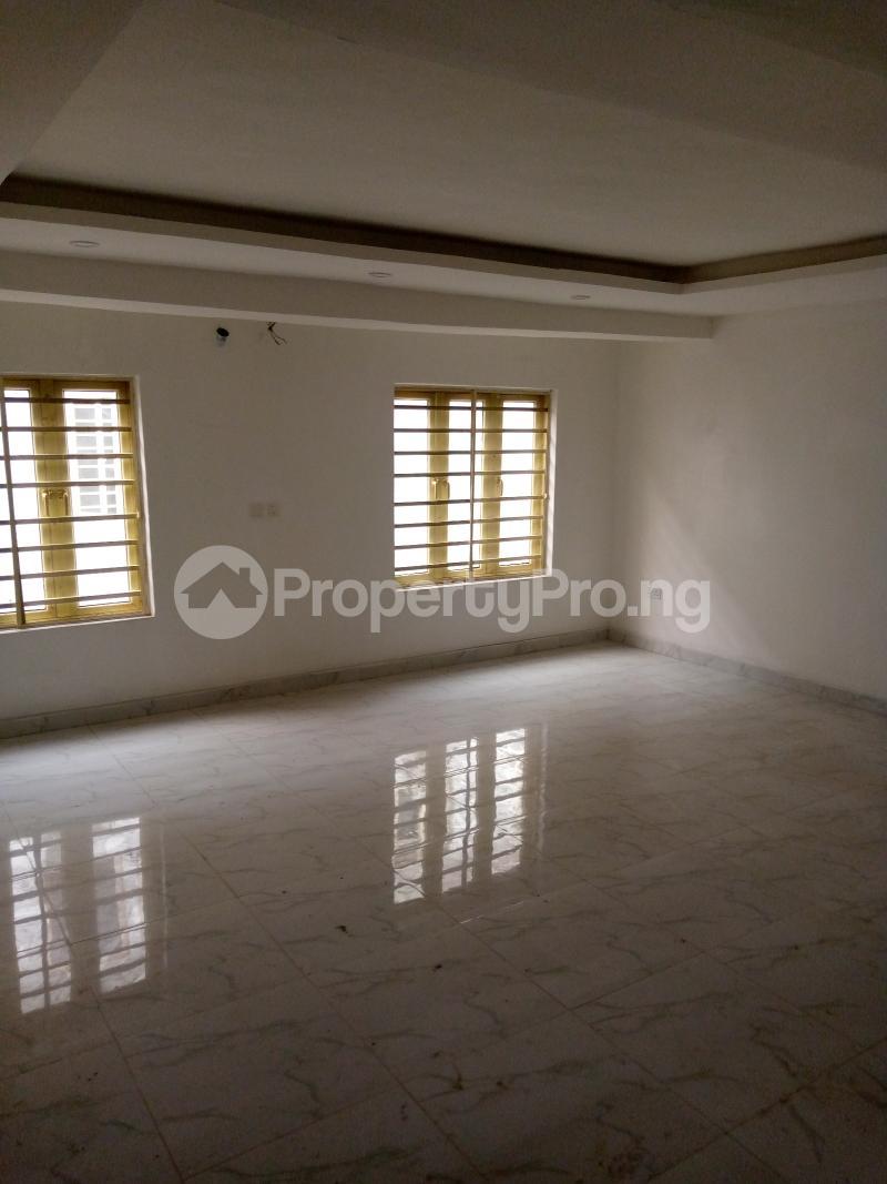 4 bedroom Terraced Duplex for rent Bethel Estate Alaka/Iponri Surulere Lagos - 3