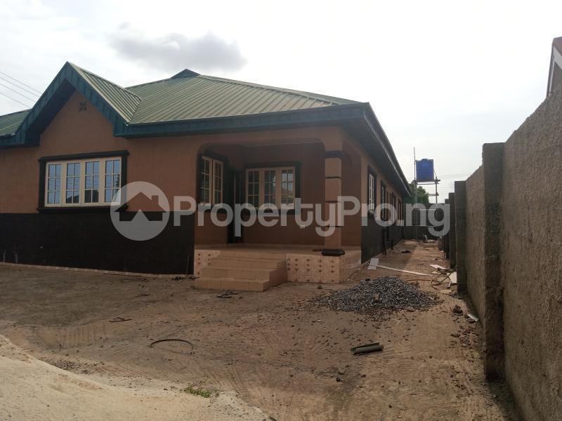 6 bedroom Detached Bungalow for sale Leadway Estate, Erunwen Ikorodu Ijede Ikorodu Lagos - 1