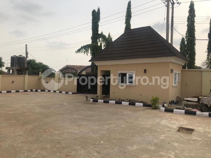 6 bedroom Terraced Duplex House for sale Compensation layout, Kutunku.  Gwagwalada Abuja - 2