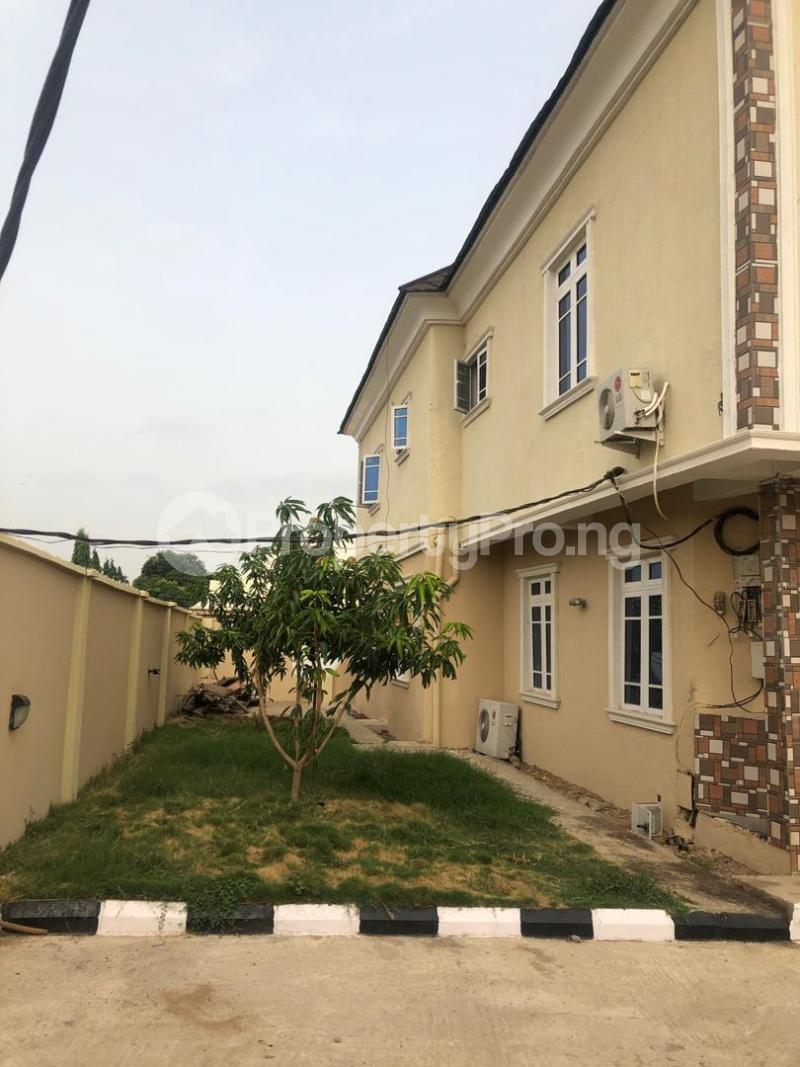 6 bedroom Terraced Duplex House for sale Compensation layout, Kutunku.  Gwagwalada Abuja - 0