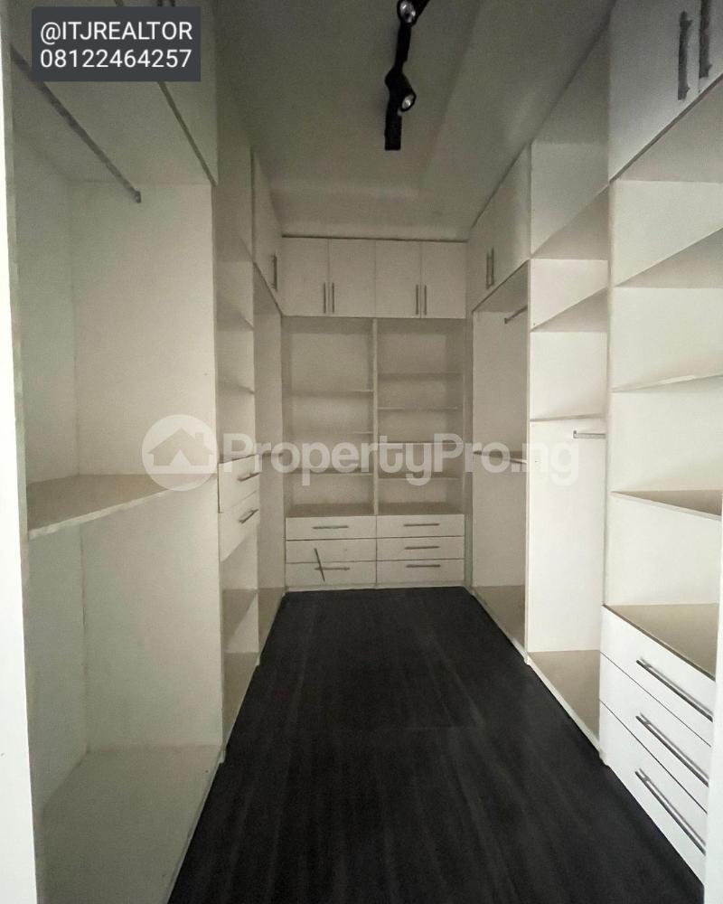 6 bedroom Detached Duplex House for sale Ago palace Okota Lagos - 7