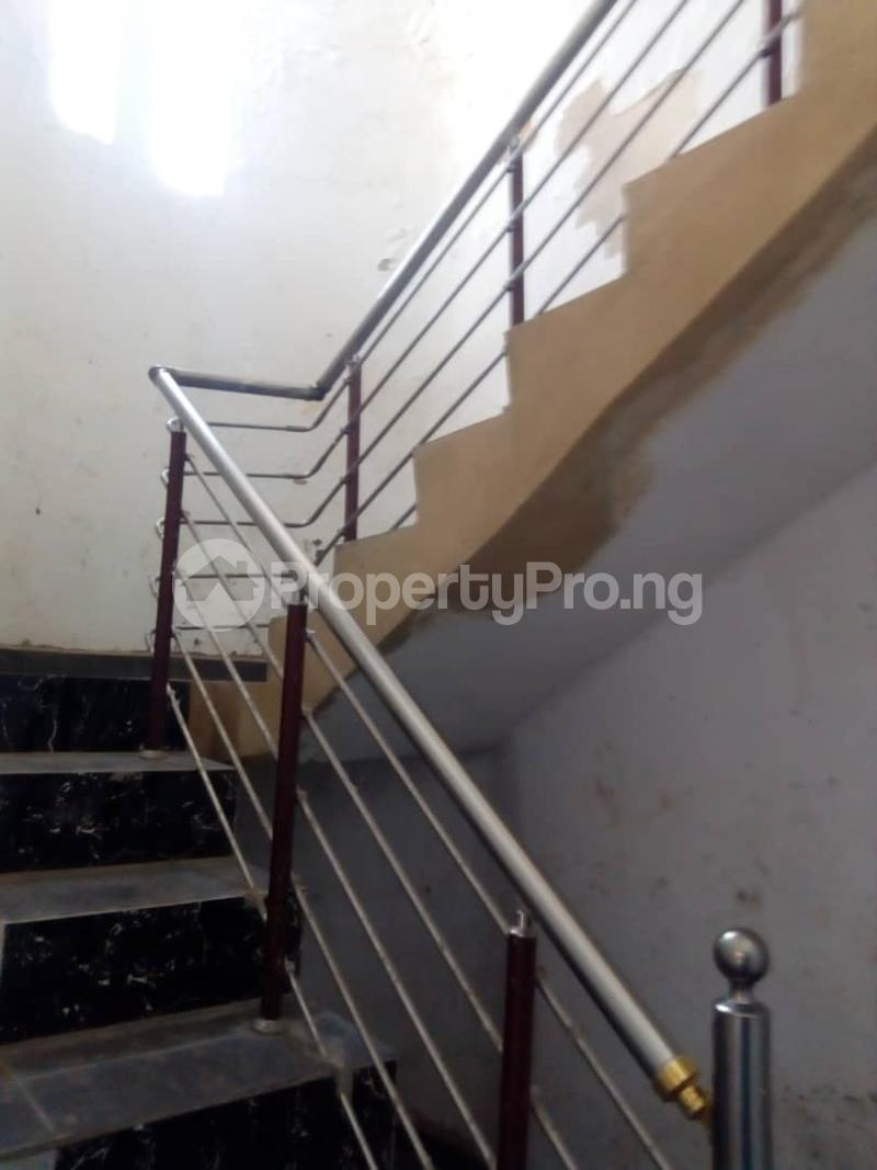 8 bedroom Detached Duplex House for sale okpanam rd  Aniocha Delta - 2