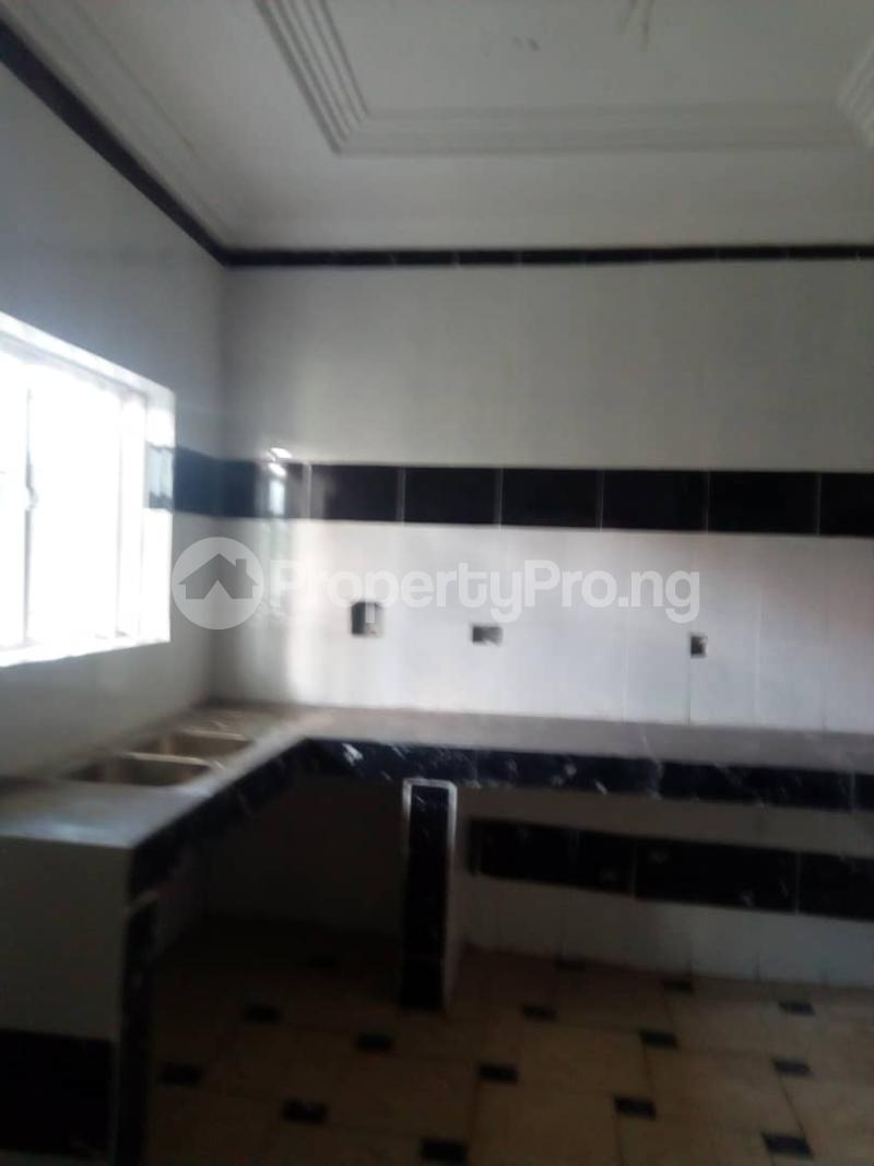 8 bedroom Detached Duplex House for sale okpanam rd  Aniocha Delta - 4