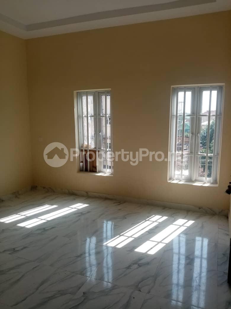 3 bedroom Flat / Apartment for rent Alagomeji, Yaba. Alagomeji Yaba Lagos - 7