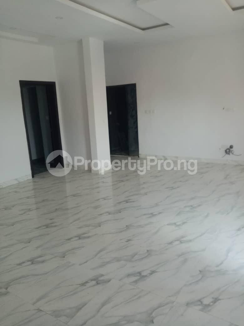 3 bedroom Flat / Apartment for rent Alagomeji, Yaba. Alagomeji Yaba Lagos - 11