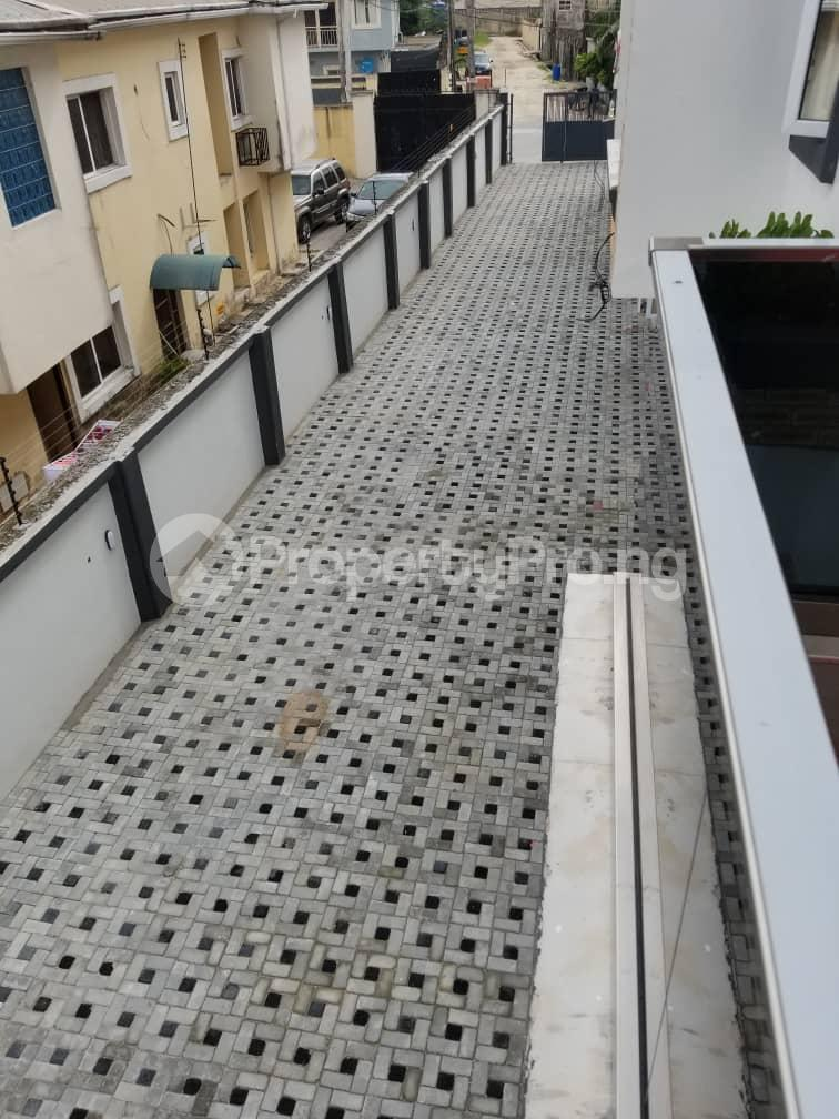 4 bedroom Terraced Duplex House for sale Budo Peninsula Thomas estate Ajah Lagos - 8