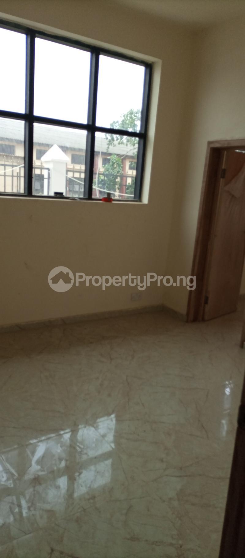 3 bedroom Office Space Commercial Property for rent Abiolaway Abeokuta, Ogun State. Abeokuta Ogun - 3