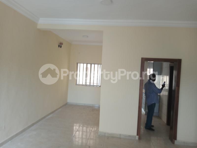 3 bedroom Blocks of Flats House for rent Adebiyi st, alagomeji, sabo Alagomeji Yaba Lagos - 1