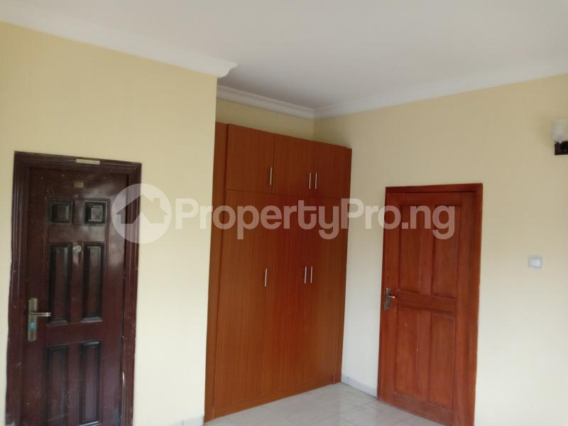 3 bedroom Blocks of Flats House for rent Adebiyi st, alagomeji, sabo Alagomeji Yaba Lagos - 4