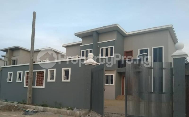 4 bedroom Semi Detached Duplex House for sale David's Creek Estate  Monastery road Sangotedo Lagos - 4