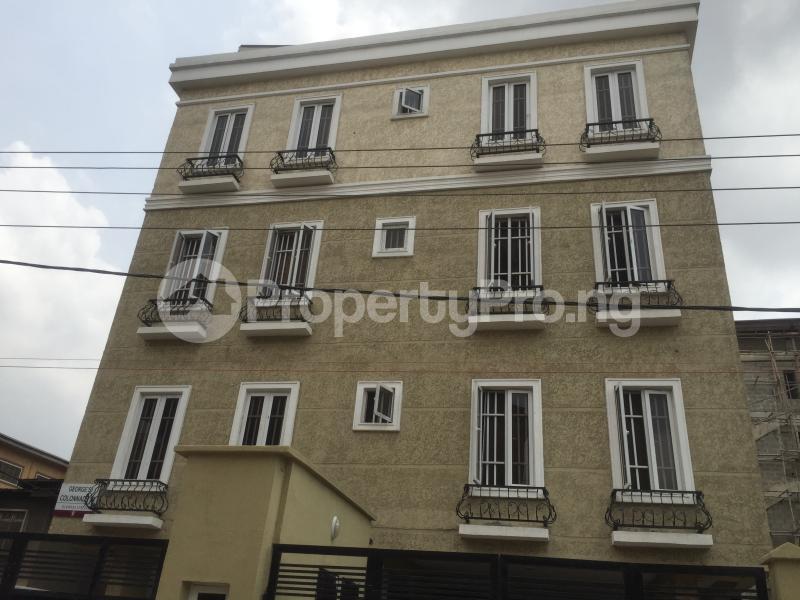 3 bedroom Flat / Apartment for rent Carter  Adekunle Yaba Lagos - 0