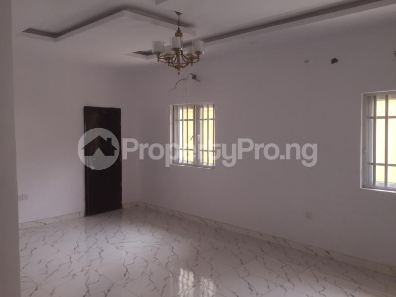 3 bedroom Flat / Apartment for rent Carter  Adekunle Yaba Lagos - 1