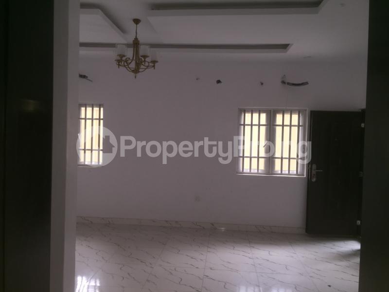 3 bedroom Flat / Apartment for rent Carter  Adekunle Yaba Lagos - 3