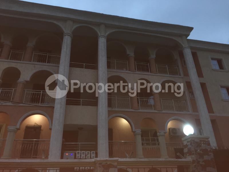 3 bedroom Flat / Apartment for rent Onike  Onike Yaba Lagos - 0