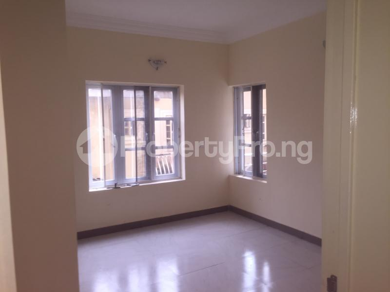 3 bedroom Flat / Apartment for rent Akinwunmi  Alagomeji Yaba Lagos - 3