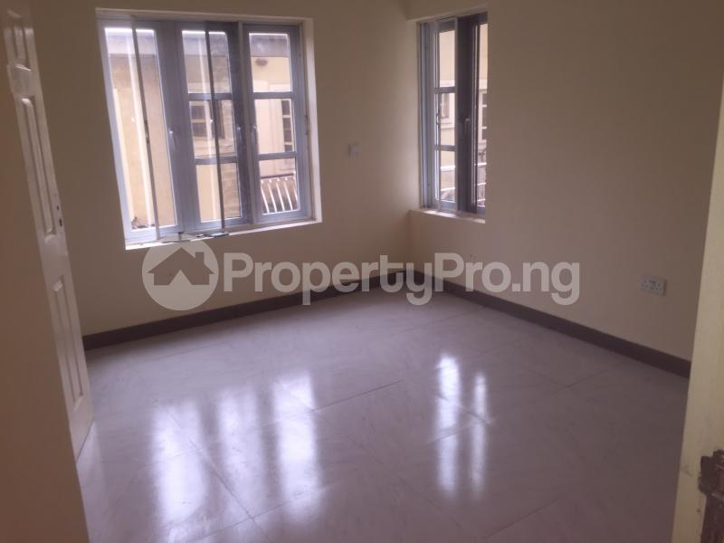 3 bedroom Flat / Apartment for rent Akinwunmi  Alagomeji Yaba Lagos - 2