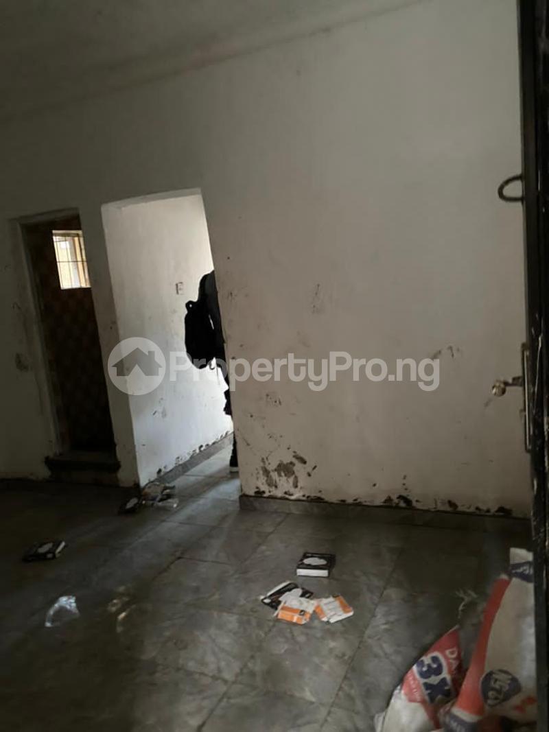 1 bedroom Self Contain for rent Onike Yaba Onike Yaba Lagos - 2