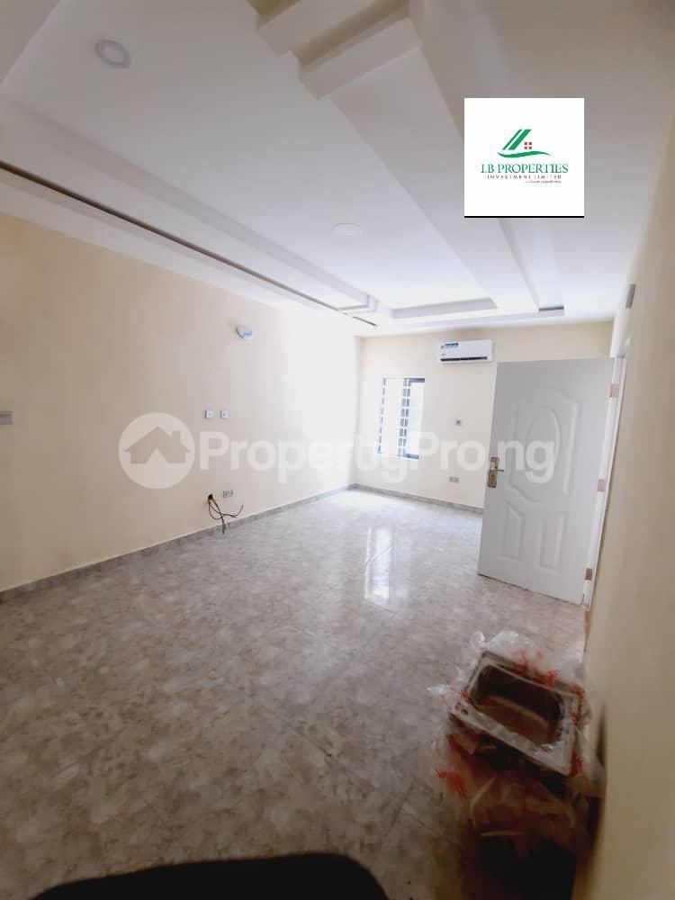 2 bedroom Flat / Apartment for sale 2nd toll gate  Lekki Phase 2 Lekki Lagos - 3