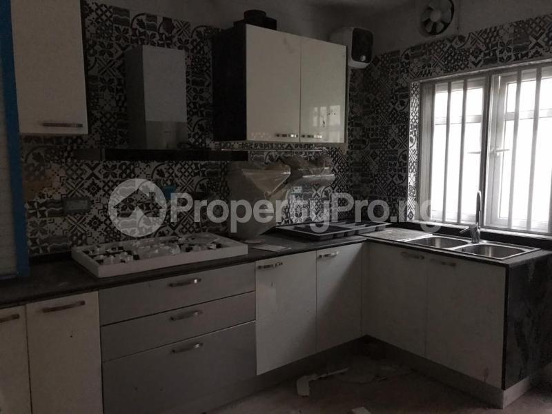 5 bedroom Shared Apartment for rent Atunrase Medina Gbagada Lagos - 3