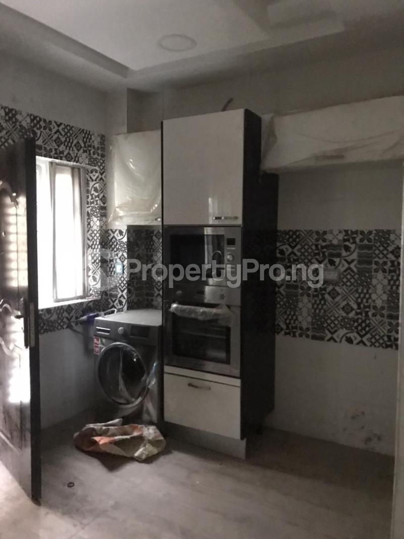 5 bedroom Shared Apartment for rent Atunrase Medina Gbagada Lagos - 0