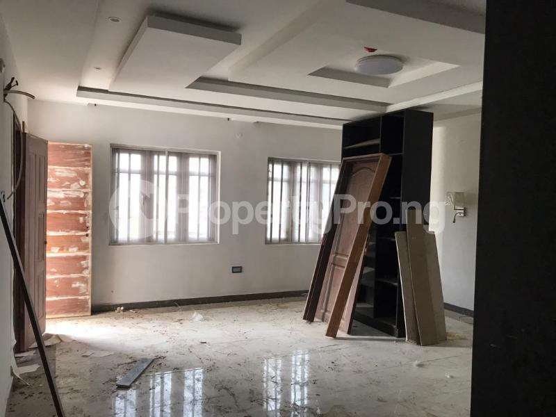 5 bedroom Shared Apartment for rent Atunrase Medina Gbagada Lagos - 9
