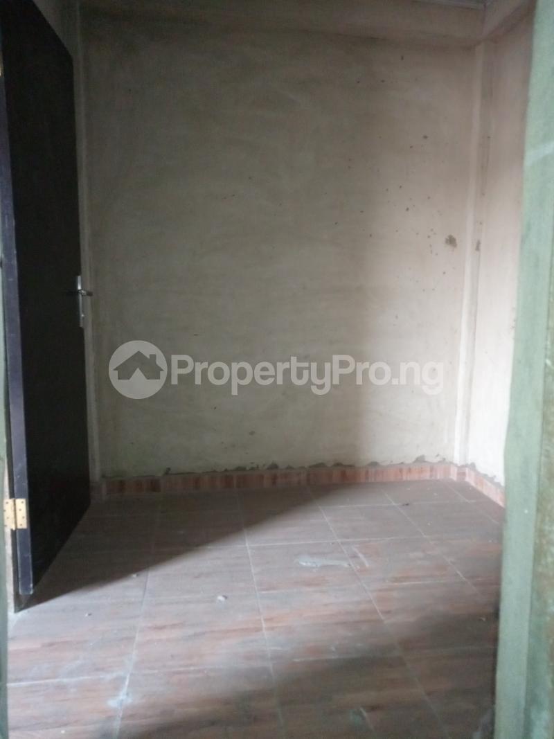 2 bedroom Mini flat for rent Ebute Metta Adekunle Yaba Lagos - 6