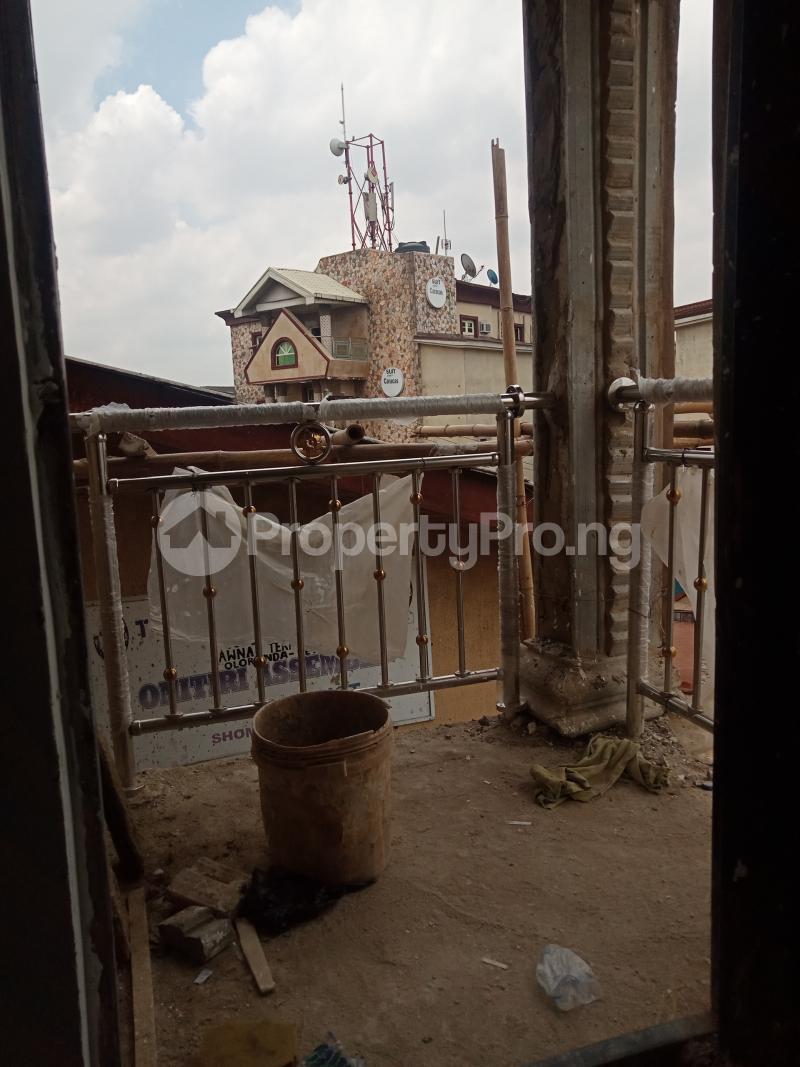 1 bedroom Mini flat for rent Onike Onike Yaba Lagos - 5