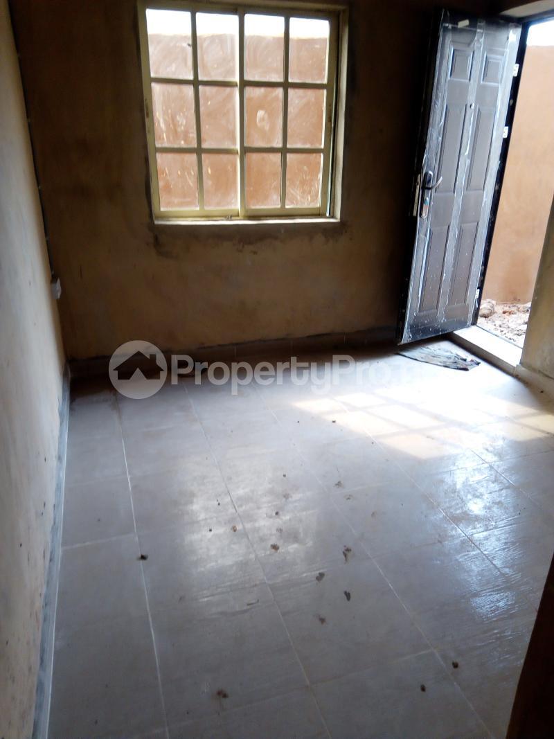 Flat / Apartment for rent Nathan street  Ojuelegba Surulere Lagos - 2