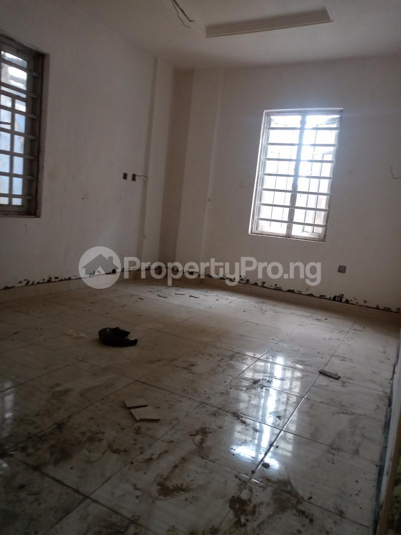 1 bedroom Mini flat for rent Adekunle Alagomeji Yaba Lagos - 4