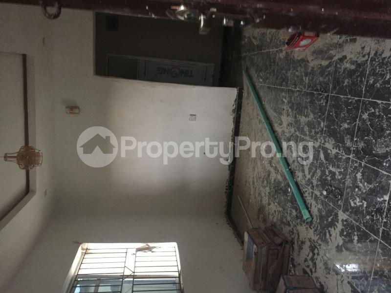 1 bedroom Mini flat for rent Obanikoro Shomolu Lagos - 4