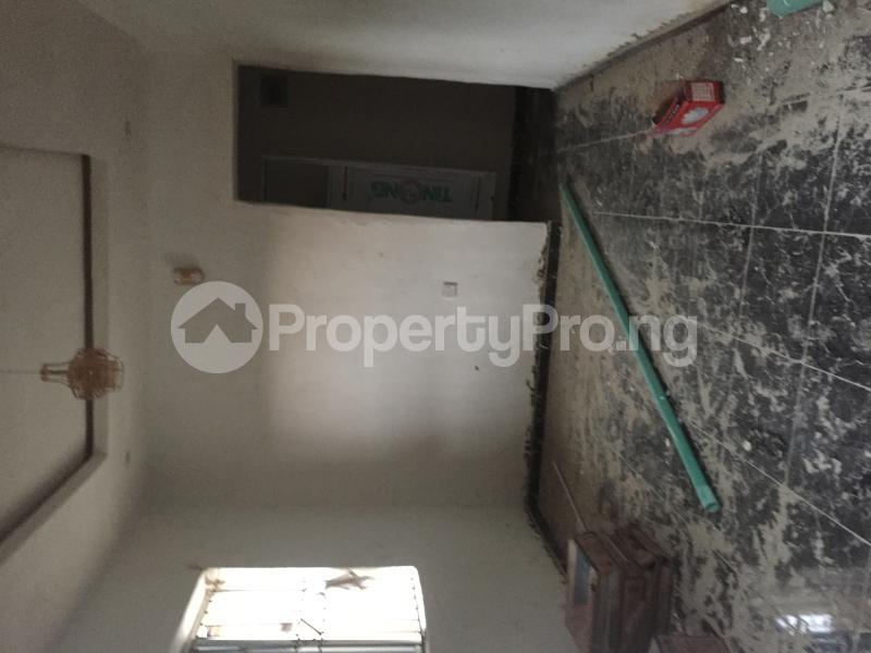 1 bedroom Mini flat for rent Obanikoro Shomolu Lagos - 6